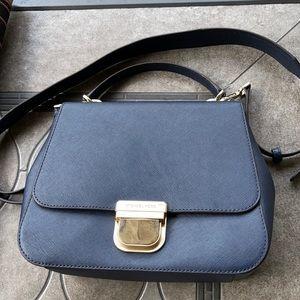 Michael Kors Women's Bag Bridgette MD Messenger